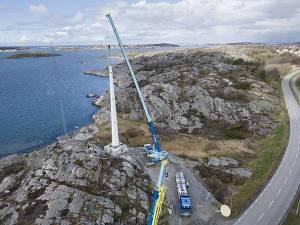 Instalación de la turbina eólica de madera